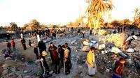 Décombres après un raid américain contre un site d'entraînement jihadiste près de la ville libyenne de Sabratha, le 19 février 2016 [MAHMUD TURKIA / AFP]