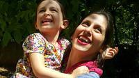 "Nazanin Zaghari-Ratcliffe et sa fille Gabriella à Damavand, en Iran, transmise par la camapagne ""Free Nazanin"" le 23 août 2018 [- / Free Nazanin campaign/AFP]"