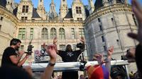 Le DJ britannique Carl Cox mixe dans les jardins du château de Chambord, le 16 juillet 2018 [GUILLAUME SOUVANT / AFP]