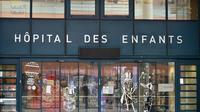 L'entrée de l'hôpital des enfants à Toulouse, où un nourrisson vient d'être enlevé par son père, le 6 janvier 2018 [REMY GABALDA / AFP]