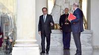 François Hollande et Jean-Marie Le Guen à la sortie du conseil des ministres le 12 octobre 2016 à l'Elysée à Paris [ALAIN JOCARD / AFP]