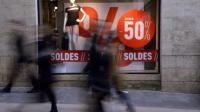 Les soldes d'été s'ouvrent mercredi pour cinq semaines entre plaisir, morosité et ventes privées [Jean Pierre Muller / AFP/Archives]