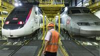 Le centre de maintenance des TGV de Châtillon, le 31 juillet 2018 [Geoffroy VAN DER HASSELT / AFP]