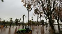 Tracteur abandonné à Roquebrune-sur-Argen,le 23 novembre 2019 [Valery HACHE / AFP]
