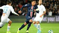 Le capitaine du Paris SG, Thiago Silva (c), lors du match de Ligue 1 face à Marseille, au Parc des Princes, le 27 octobre 2019 [Bertrand GUAY / AFP/Archives]