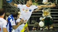 L'arrière de Montpellier Mathieu Grebille perce la défense de Szeged pour marquer un but en finale de la coupe EHF de handball messieurs, le 18 mai 2014 à Berlin [Odd Andersen / AFP]