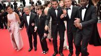 """L'équipe du film """"Qu'est-ce qu'on a fait au Bon Dieu"""" au Festival de Cannes, le 22 mai 2014 [Bertrand Langlois / AFP/Archives]"""