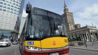 """Un bus de marque """"Solaris"""", symbole du renouveau polonais, dans les rues de Varsovie le 1er juin 2014 [Janek Skarzynski / AFP]"""