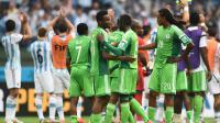 Les joueurs du Nigeria après leur qualification pour les 8e de finale du Mondial, au cours desquels ils affronteront la France, le 25 juin 2014 à Porto Alegre [Jewel Samad / AFP]