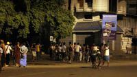 Une foule en colère à Mandalay, où se sont affrontés bouddhistes et musulmans, le 2 juillet 2014 [STR / AFP]