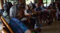 Des personnes âgées dans une maison de retraite privée, à Pékin, le 1er juillet 2014 [Greg Baker  / AFP]