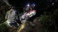 Un mineur resté enfermé dans une mine d'or du nord du Nicaragua est évacué par les secours, le 29 août 2014 [Inti Ocon / AFP]