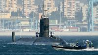 Photo d'archives du sous-marin nucléaire britannique HMS Tireless entrant dans le port de Gibraltar [Jose Luis Roca / AFP/Archives]