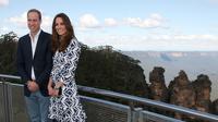 Le prince William et son épouse Kate lors de leur visite aux Montagnes bleues, en Australie, le 17 avril 2014 [Rick Rycroft / Pool/AFP/Archives]