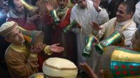 Des musiciens marocains participent au festival de Sidi Ali, inspiré du soufisme, le 21 janvier 2014 à Sidi Ali, près de Meknès [Fedel Senna / AFP]