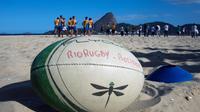 Le rugby s'installe sur les plages de Rocinha, une favela de Rio, le 9 octobre 2013 à Rio de Janeiro [Christophe Simon / AFP]