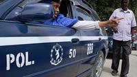 Une policière somalienne à Mogadiscio le 10 novembre 2013 [Mohamed Abdiwahab / AFP/Archives]