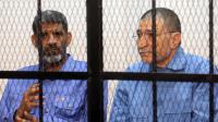 Les ex-chefs des renseignements Abdallah al-Senoussi et Bouzid Dorda à l'ouverture de leur procès le 14 avril 2014 à Tripoli  [Mahmud Turkia  / AFP]