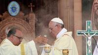 Le pape François  célèbre une messe, le 24 mai 2014 à Amman  [Khalil Mazraawi / AFP]