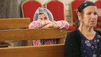 Des chrétiennes irakiennes prient à Mossoul le 1er juillet 2014.