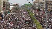Des dizaines de milliers de partisans d'Ansarullah, la rébellion chiite yéménite, manifestent le 22 août 2014 dans la capitale Sanaa [Mohammed Huwais / AFP]