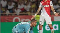 L'attaquant bulgare de l'AS Monaco Dimitar Berbatov dépité après une occasion ratée face à Lorient, le 10 août 2014 au Stade Louis II [Jean-Christophe Magnenet / AFP/Archives]