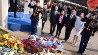Le ministre délégué chargé des Anciens combattants, Kader Arif (2e d), entourés des ministres (de g à d) Victorin Lurel, Christiane Taubira et Nicole Bricq, commémore le 71 ans de la rafle du Vél d'hiv, le 21 juillet 2013 à Paris [Pierre Andrieu / AFP]