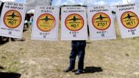 Des opposants au projet d'aéroport de Notre-Dame-des-Landes, le 3 août 2013  [Jean-Sébastien Evrard / AFP]