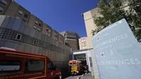 Des pompiers arrivent aux urgences d'un hôpital de Marseille, le 20 août 2013 [Boris Horvat / AFP]