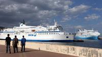 Un navire de la compagnie SNCM dans le port de Bastia, en Corse, en 2012 [Pascal Pochard-Casabianca / AFP/Archives]
