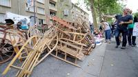 Des objets en vente à la braderie de Lille le 31 août 2013 [Denis Charlet / AFP]