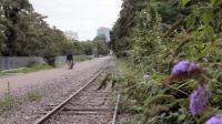 Des élus et une association de Paris militent pour le retour des trains sur la Petite Ceinture.
