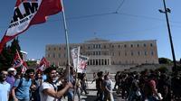 Manifestation contre le fascisme devant le Parlement, à Athènes, le 25 septembre 2013 [Aris Messinis / AFP]