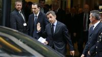 """Nicolas Sarkozy à l'issue d'un déjeuner  avec les membres de l'association """"Chaban Aujourd'hui"""", le 15 novembre 2013 à Paris [Thomas Samson / AFP/Archives]"""