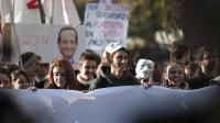 Des manifestants à Suse (nord-ouest de l'Italie) contre le futur TGV Lyon-Turin, le 16 novembre 2013 [Marco Bertorello / AFP]
