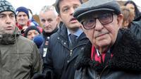 Le président du Tribunal pénal pour l'ex-Yougoslavie (TPIY), Theodor Meron (D), à Tomasica le 15 novembre 2013 [Elvis Barukcic / AFP/Archives]