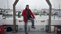 Bertrand Sciboz sur son bateau à Saint-Vaast-la-Hougue, le 3 décembre 2013 [Charly Triballeau / AFP]