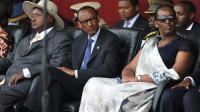Le président rwandais Paul Kagame (au centre) et son épouse participent à la cérémonie de commémoration pour le 20ème anniversaire du génocide rwandais à Kigali le 7 avril 2014 [Simon Maina / AFP]