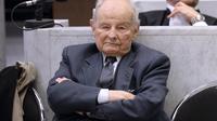 Jacques Servier, fondateur du laboratoire Servier, deuxième groupe pharmaceutique français, le 21 mai 2013 au tribunal de Nanterre  [Lionel Bonaventure / AFP/Archives]