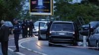 Des policiers autour du véhicule d'Hélène Pastor, accidenté après la fusillade, le 6 mai 2014 à Nice [Valéry Hache / AFP/Archives]