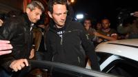 Jérôme Kerviel interpellé par des policiers en civil le 18 mai 2014 à Menton [Anne-Christine Poujoulat / AFP]