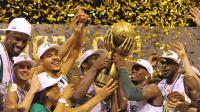 Les joueurs du CSP Limoges fêtent leur titre de champion de France de Pro A après avoir battu Strasbourg, le 5 juin 2014 à Limoges [ / AFP/Archives]