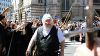 """George R.R. Martin, auteur de la saga """"Game Of Thrones"""", à Dijon pour une séance de dédicaces, le 3 juillet 2014 [Philippe Merle / AFP]"""