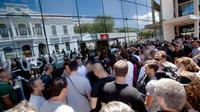 Des manifestants pénètrent dans les locaux de la SNCM à Bastia, le 9 juillet 2014 [Philippe Marini / AFP]