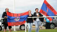 Des supporteurs brandissant des banderoles du club de football de Luzenac le 12 juillet 2014 au stade Mazère de Luzenac [REMY GABALDA / AFP/Archives]