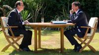 Le président François Hollande et le Premier ministre Manuel Valls préparent la rentrée de septembre, lors d'une rencontre au Fort de Brégançon, le 15 août 2014 [Bertrand Langlois / Pool/AFP]