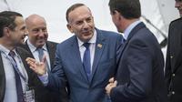 Pierre Gattaz accueille Manuel Valls à l'université d'été du Medef le 27 août 2014 à Jouy-en-Josas [Fred Dufour / AFP]