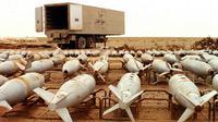 Cette photographie non-datée montre des bombes aérienne chimiques en attente de destruction par l'Unscom à Muthanna, dans le sud-est de l'Irak [Unscom / Unscom/AFP/Archives]
