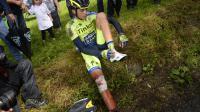 Alberto Contador après sa chute lors de la 10e étape du Tour de France, entre Mulhouse et La Planche des Belles Filles, le 14 juillet 2014 [Lionel Bonaventure / AFP]
