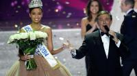 Flora Coquerel, couronnée Miss France 2014, le 7 décembre 2013 à Dijon [Philippe Desmazes / AFP]